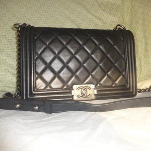 Chanel Large Quilted Boy Bag Black Very Good